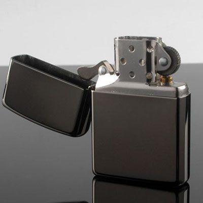 Zippo Black Ice – bật lửa mạ Chrome bóng phủ màu đen huyền băng-mã 150