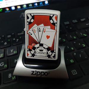 zippo lá bài-zippo 4 lá át