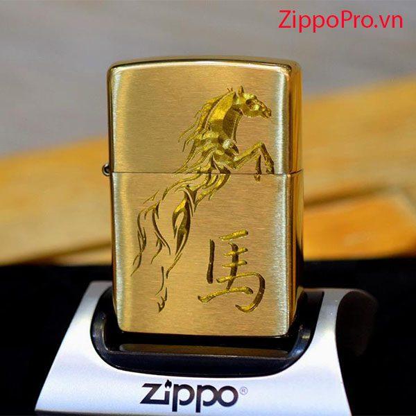 Zippo khắc ngựa-Mã: 204BKS-204b