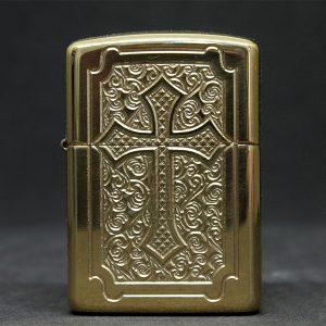 Zippo Armor Eccentric High Polish Brass Armor- Mã: 29436