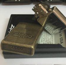 Zippo Stamp Antique Brass - Mã: 28994
