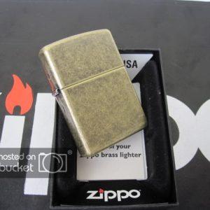 Zippo Antique Brass, đồng thau giả cổ - Zippo 201FB